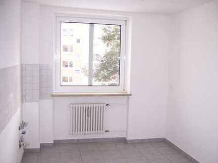 Schöne drei Zimmer Wohnung in München-Feldmoching, Hasenbergl
