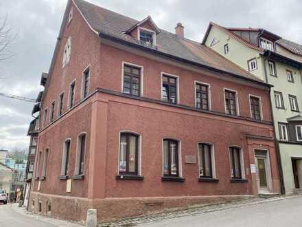 Frisch renoviertes Büro in historischem Gebäude