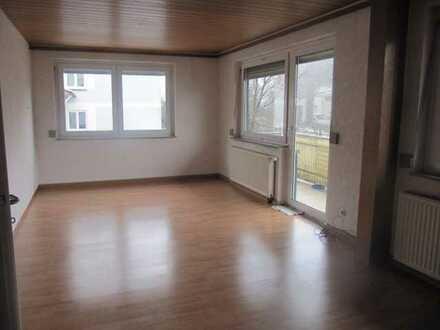 Gemütlich-Renoviert- 2 Zimmer mit großem Balkon !!!