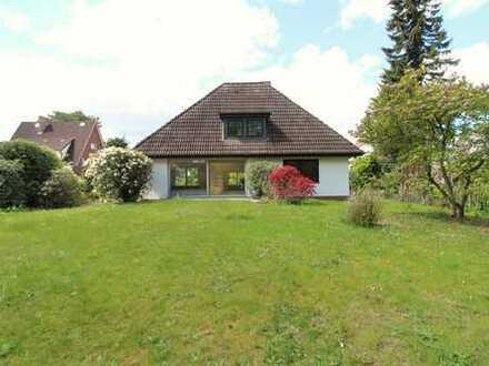 Hochwertig saniertes Einfamilienhaus auf großem Gartengrundstück in Wellingsbütteler Bestlage