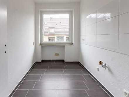 Erstbezug nach Sanierung: 1-Raum-Wohnung mit Balkon