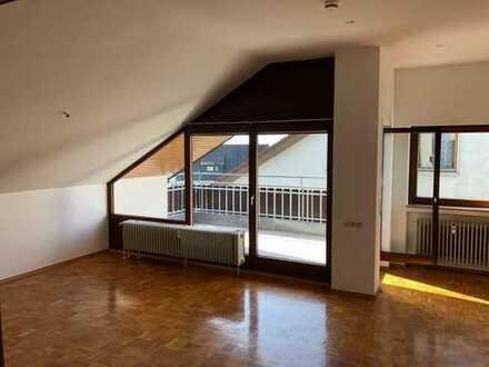 3,5 Zimmer DG-Wohnung mit großem Balkon in ruhiger Lage
