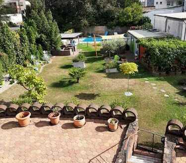 Wunderschöne, helle Wohnung in toller Feldrandlage, mit Garten und schickem Nagelstudio im Keller