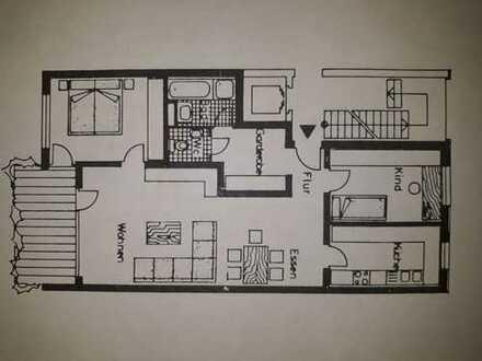 *Bitte keine weiteren Anfragen* Gepflegte 3,5-Zimmer-Wohnung mit Balkon und EBK in Kornwestheim