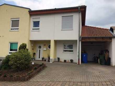 Schöne geräumige Doppelhaushälfte mit erweitertem Anbau in Bockenheim/Wstr. in ruhiger Sackgasse