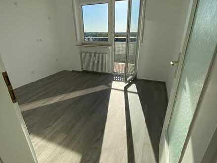 Großzügig geschnittene 1-Zimmer-Wohnung mit Balkon - Kernsaniert