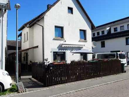 Schnuckeliges Einfamilienhaus in zentraler Wohnlage in Hirrlingen