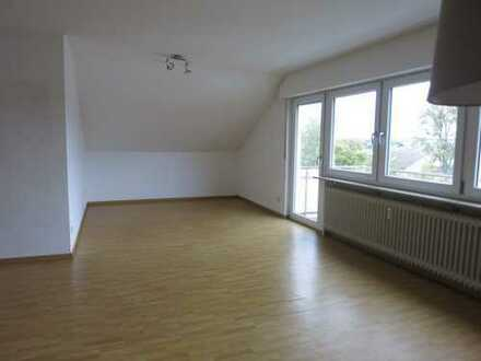 Helle sonnige 2-Zimmer Wohnung in Böblingen