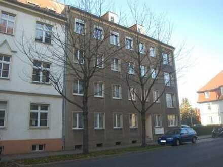 Im Alleinauftrag: Solides MFH mit 8 Wohnungen als Kapitalanlage