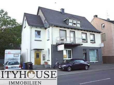CITYHOUSE: 2 Familienhaus mit Ladenlokal und 4 PKW-Stellplätzen in zentraler Lage von Herdorf!