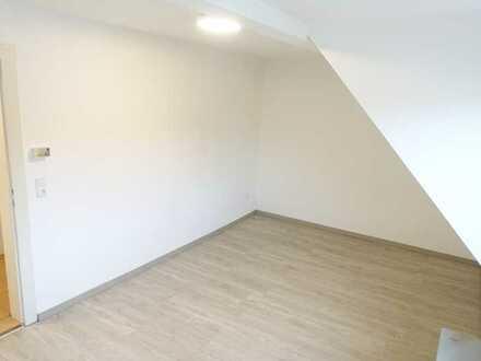 Dachgeschosswohnung mit zwei Zimmern und Einbauküche in Schweinfurt