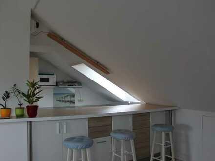 Komplett möblierte 2- Zimmer Dachgeschoß Wohnung in Roggenburg / Schießen