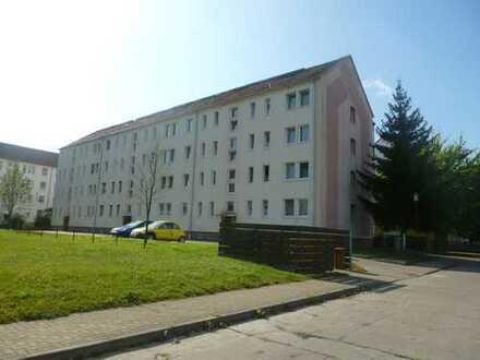 Helle 4-Raum-Wohnung mit Balkon in Parey