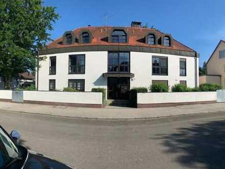 Erstbezug nach Sanierung: ansprechende 3-Zimmer-Wohnung mit Balkon in Harlaching, München