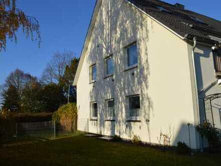 Renovierte Erdgeschoss Wohnung mit Gartengrundstück