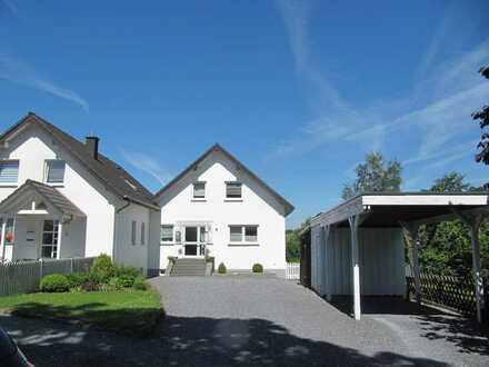Moderne 5-Raum-Wohnung mit Balkon in Möhnesee-Wamel -Seeblick-