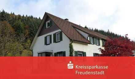 Doppelhaushälfte in schöner Lage in Schönmünzach
