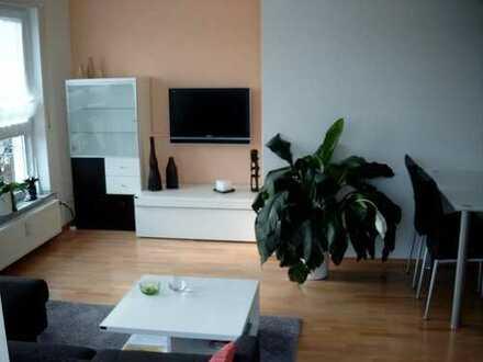 Traumhafte 2-Zimmer Dachgeschoss-Wohnung mit Skylineblick, Mainnähe und wunderschöner Dachterrasse