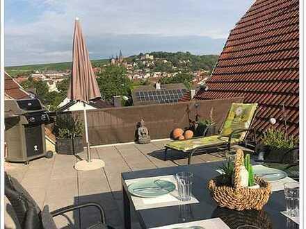 Wunderschöne 5 Zi. Maisonette Whg. mit Loggia und gr. Dachterrasse, Duplex Parker und vieles mehr