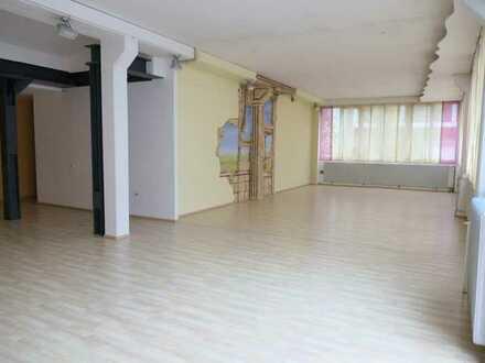 Nähe Sedanplatz: Großzügige Gewerberäume im Innenhof; Pkw-Stellplätze vorhanden
