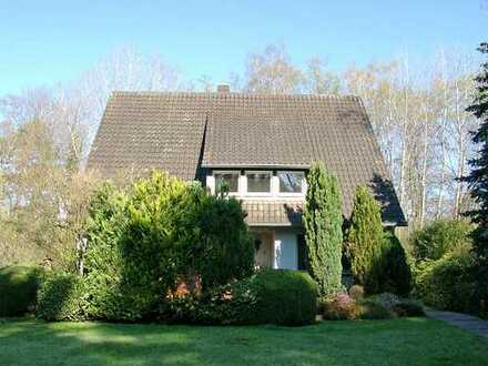 POCHERT IMMOBILIEN - Charmantes freistehendes Haus mit herrlichem Garten in bester Lage