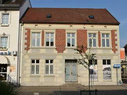 Attraktive 3 Zimmerwohnung am Marktplatz von Loitz!!