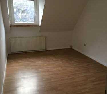 Gemütliche 3-Zimmer-DG-Wohnung in Wanheimerort