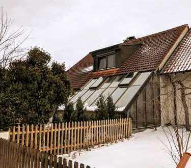 Aufwendig gestaltetes Doppelhaushälfte mit fünf Zimmern in Augsburg (Kreis), Bobingen
