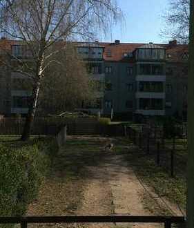 Stilvolle 2-Zimmer-EG-Wohnung mit Einbauküche in Reinickendorf, Berlin