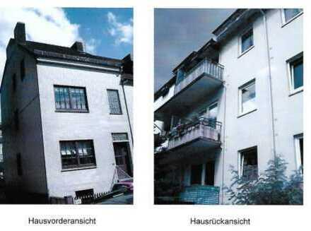 Ansprechende 2,5-Zimmer-DG-Wohnung mit Balkon und EBK in Bremen