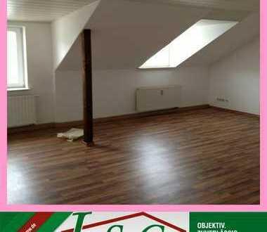 Günstige 3-Raum DG-Wohnung im Stadtzentrum - auf Wunsch mit EBK
