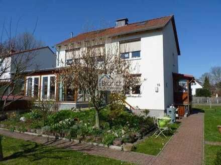 Lichtdurchflutetes Einfamilienhaus mit sonnigem Garten im beliebten Rosdorf!