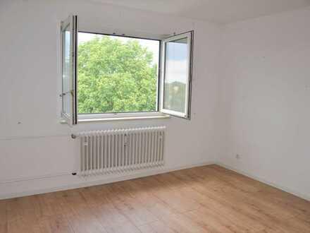 Amper-Nähe: 2-Zimmer-Wohnung mit Loggia und TG-Stellplatz