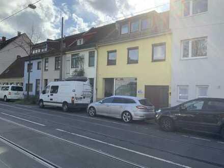 Hastedt! Wunderschöne 4-Zimmer-Wohnung mit Dachterrasse in perfekter Lage!