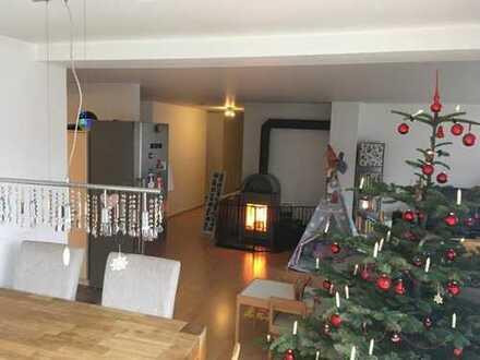 Helle 4-Zimmer-Wohnung mit Terrasse, Garage und Stellplatz in Altensteig, obere Stadt