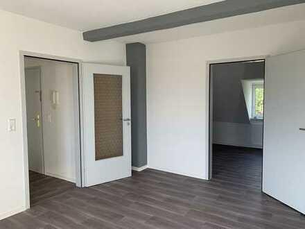 NEU ! - frisch saniertes 1-Zimmer-Appartment im Dachgeschoss