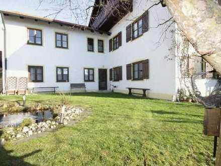 Imposantes Wohnhaus mit drei möglichen separaten Wohneinheiten und gut vermietetem Gewerbeteil