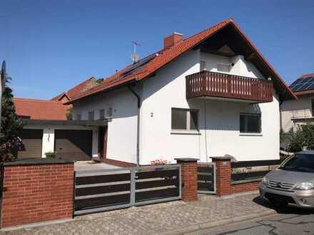 Gepflegtes, freistehendes 1-Familienhaus mit Doppelgarage