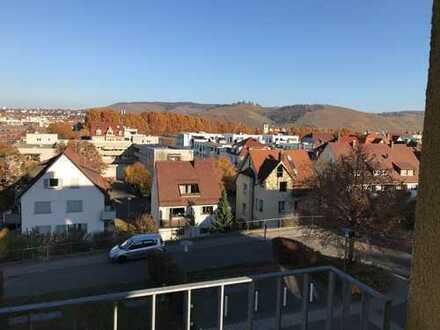 Betreutes Wohnen (ab 60 Jahren): Sonnige 2-Zi-Wohnung mit Blick auf den Rotenberg