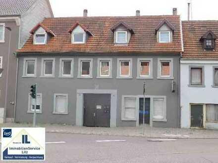 Doppelhaushälfte in Neustadt mit Gewerbefläche im Erdgeschoß zur Kapitalanlage