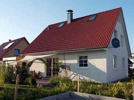 HÄUSER FÜR'S LEBEN - Gemütlichkeit im Familienhaus mit 4 Zimmern in Grünheide