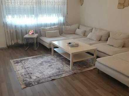 Gepflegte 3-Raum-Wohnung mit Balkon und Einbauküche in Eisenberg