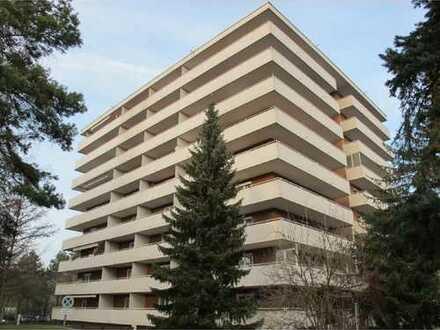 * Geräumiges Appartement * Einbauküche & Balkon