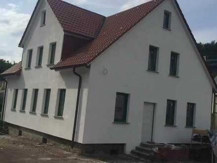 Familienglück auf 105qm - alles neu renoviert - großes Luxusbad - ausgebauter Dachgeschoss