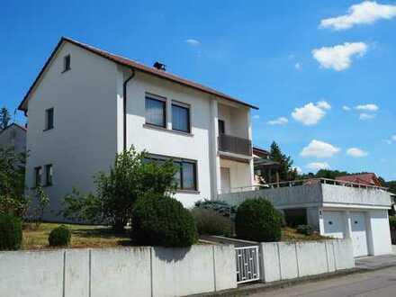 Charmantes Einfamilienhaus mit fünf Zimmern und Einbauküche in Vaihingen an der Enz, Vaihingen