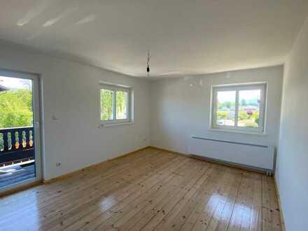 Erstbezug nach Sanierung: freundliche 4-Zimmer-Wohnung mit Balkon in Prien am Chiemsee