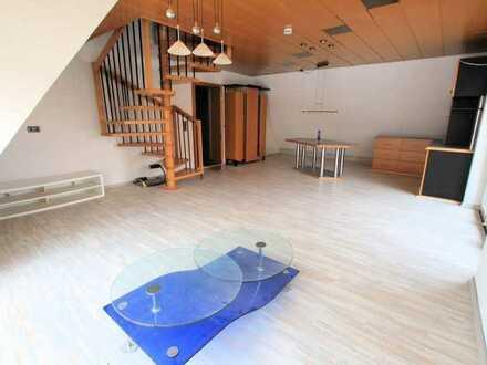 Helle Dachgeschoss-Maisonette-Wohnung!