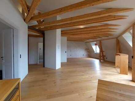 Moderne Dachgeschosswohnung in Neuhausen-Nymphenburg