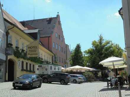 Historische Altstadt von Dachau - Neubau - DIE SCHÖNSTE - 4 Zi-Wohnung mit 22m² Sonnenbalkon
