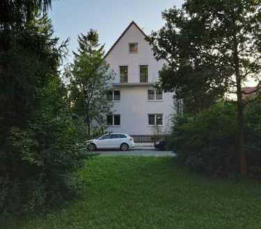 Stilvolle, ruhige und zentral gelegene 4-Zimmer-Wohnung im begehrten Münchner Süden, am Südpark